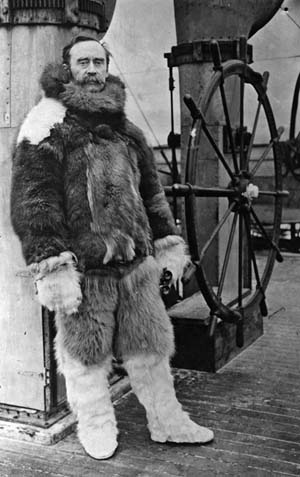1st September 1909: American Arctic explorer Commander Robert Edwin Peary (1856 - 1920) aboard the Roosevelt. (Photo by Hulton Archive/Getty Images)